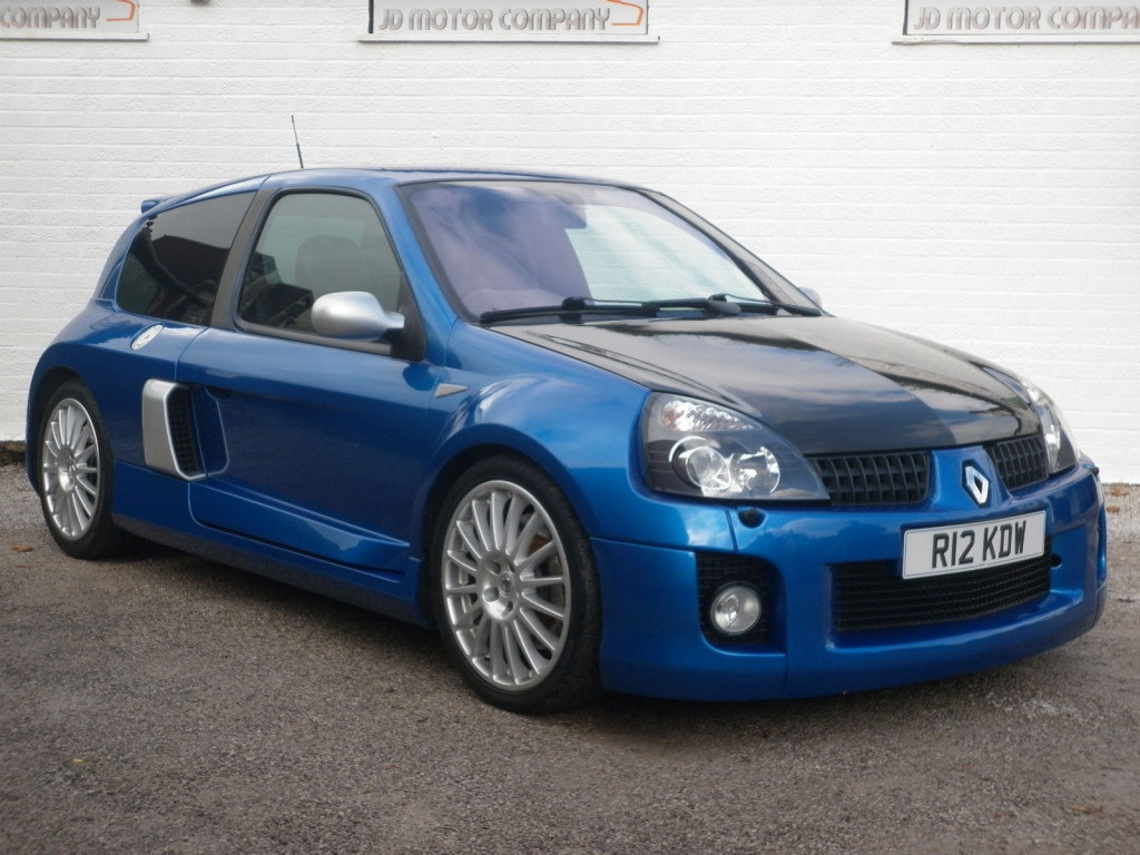 Clio V6 Mid Engined Madness 2004 Renault Clio V6 Phase 2 Bring