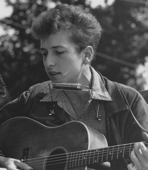 Bob Dylan and Joan Baez perform at the March on Washington 08/28/1963 RG 306 Records of the U.S. Information Agency 306-SSM-4C(53)24 ARC ID 542021 EAP ID 27-0286 12081_1998_001 Landscape