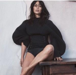 kim-kardashian-wears-corset