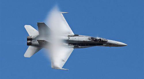 f-18c-bank-vapor-wings500