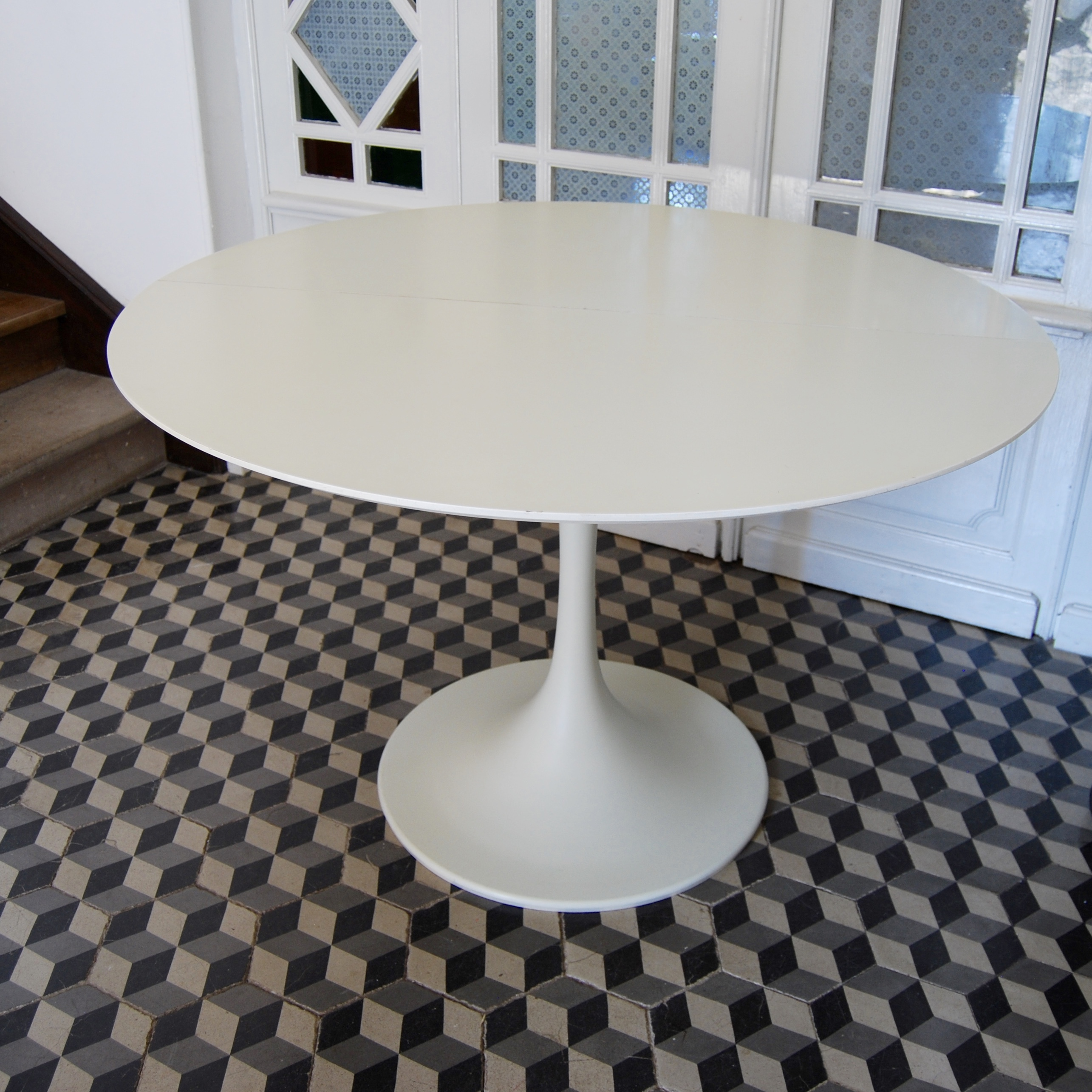 Table Tulipe Blanche Table Ronde Pied Tulipe Brocante Avenue