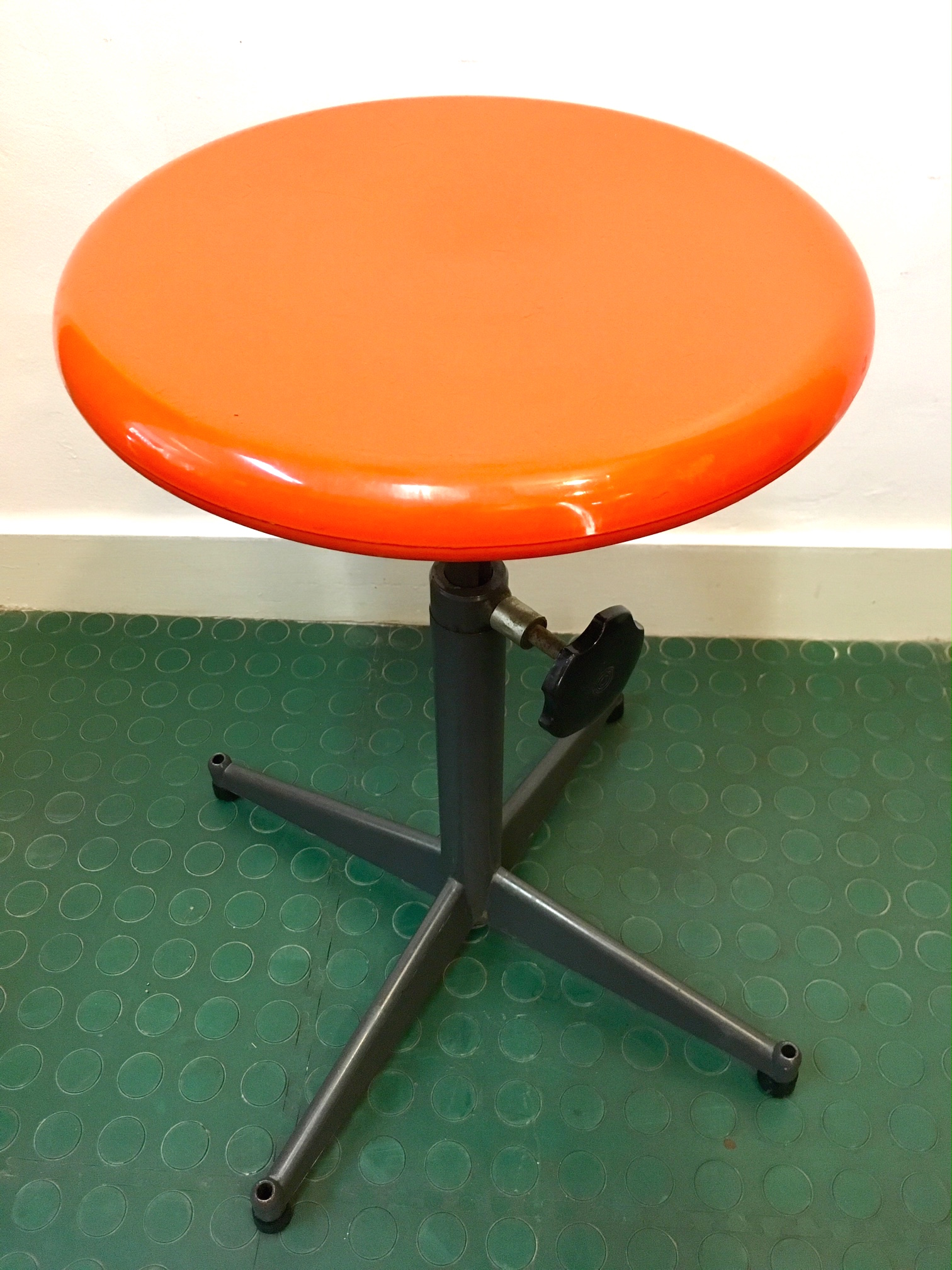 Tabourets Industriel Tabouret Haut Industriel Vintage Orange Brocnshop