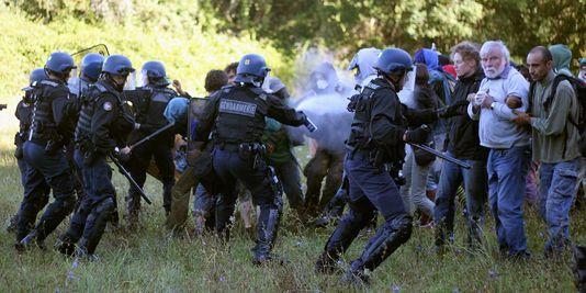 ob_765d85_4481304-3-edad-heurts-entre-la-police