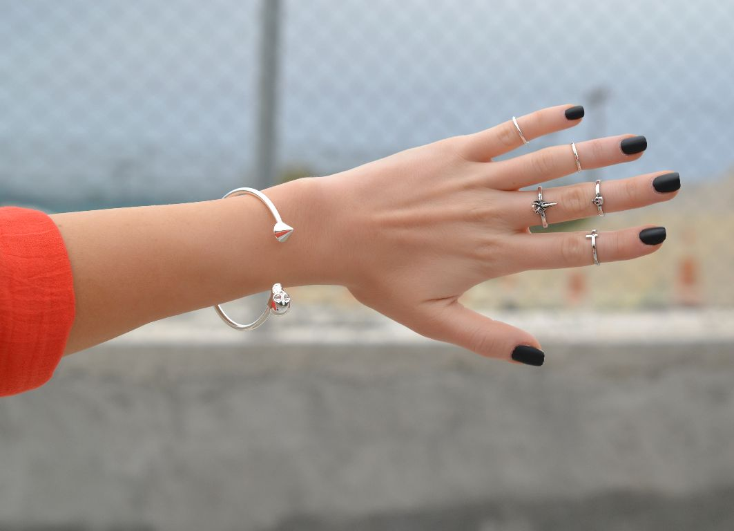 "Would You Wear This Jewelry Trend?: Top Knuckle or ""Midi ..."