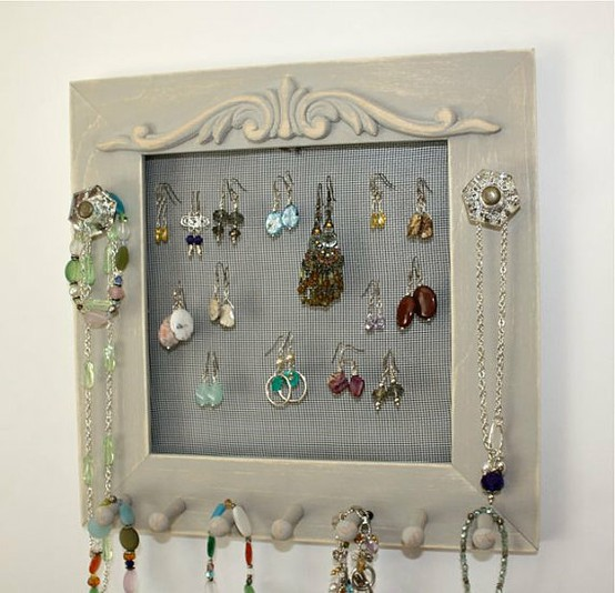 Schmuck Bilderrahmen 50 Fun Ways To Hang Your Jewelry | Broke & Healthy