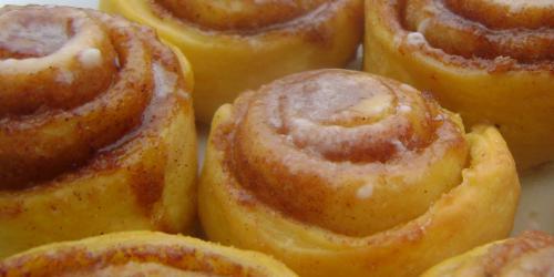 Paleo Mini Cinnamon Cakes