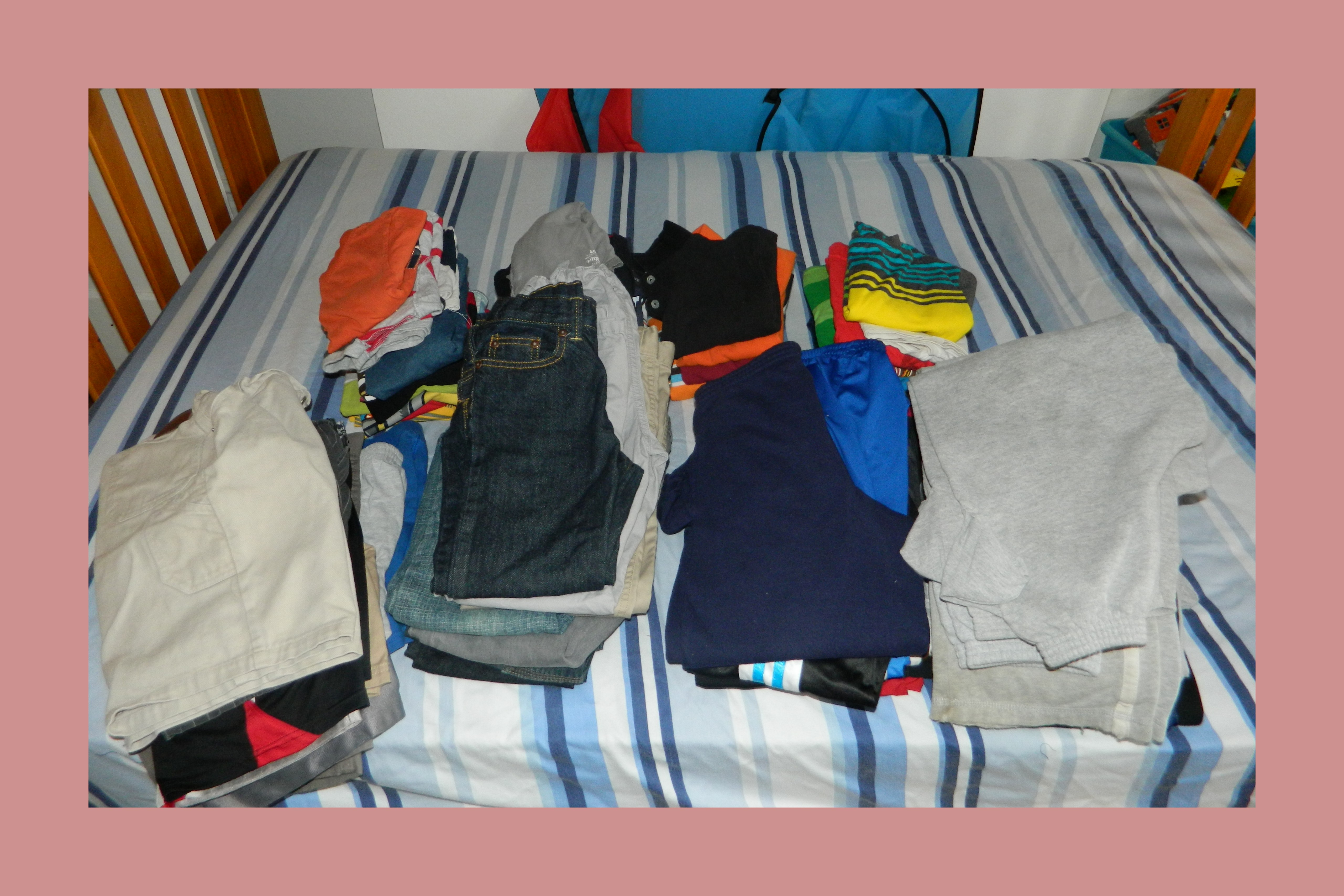 how i organized my kid 39 s clothes with no dresser. Black Bedroom Furniture Sets. Home Design Ideas