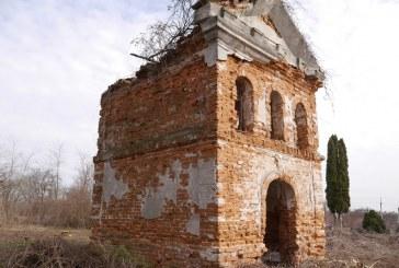 Renowacja kaplicy i cmentarza w Prusach