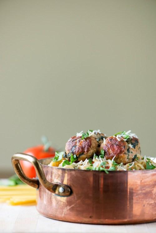 One Pot Spinach & Turkey Meatball Pasta   bsinthekitchen.com #pasta #dinner #bsinthekitchen