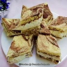 Prăjitura marmorată cu frişcă şi ananas