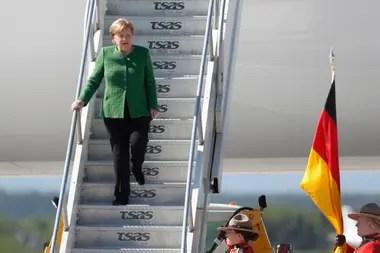 La canciller de Alemania, Angela Merkel, llegó hoy a la base canadiense Bagotville