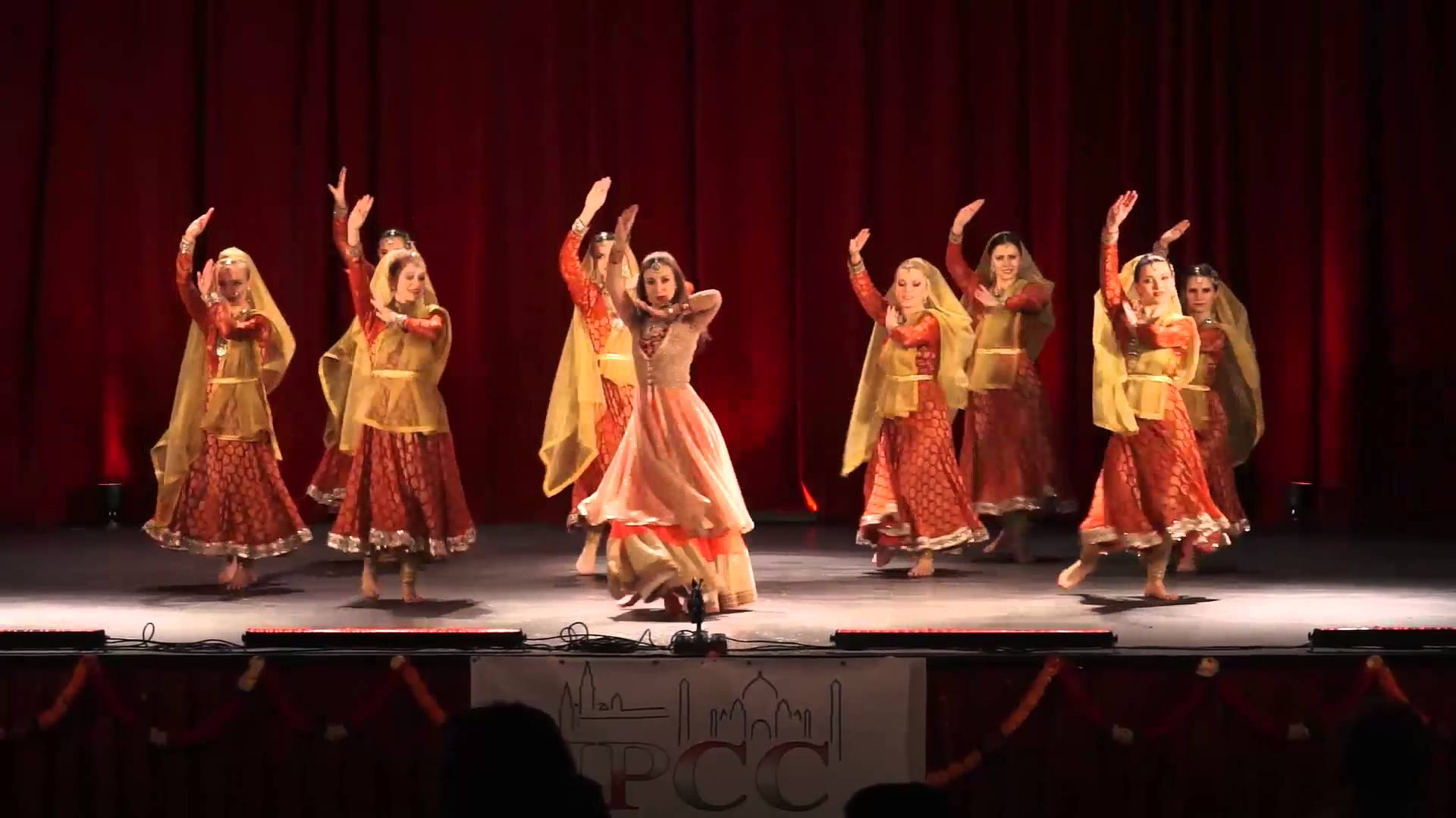Divani Me Diwani Song Download Deewani Mastani Choreography By Mohini Dance Group