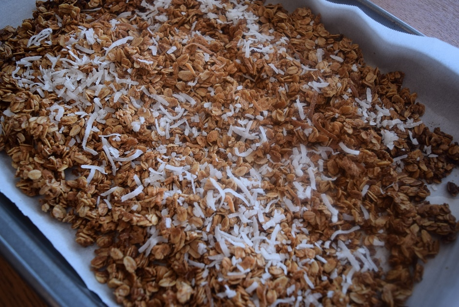 Coconut Maple Cinnamon Granola - Bucket List Tummy