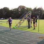 Jonathan coming home at the end of the 800m