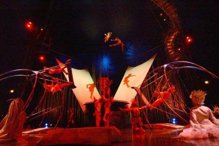 Celebrul Cirque du Soleil aduce la Bucuresti o scena GIGANT, pe care vor urca peste 50 de artisti din 19 tari!