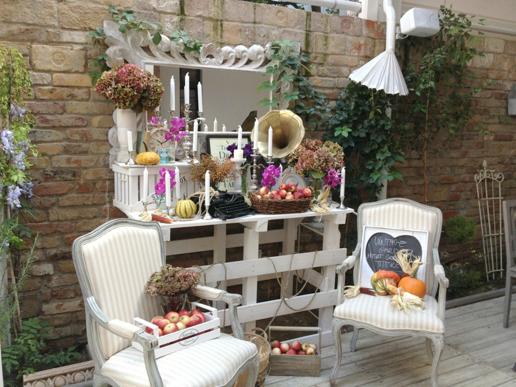 Sessel Mit Hauswurz Bepflanzt Vintage Garden Outdoor Display Full Budapest Space Jam