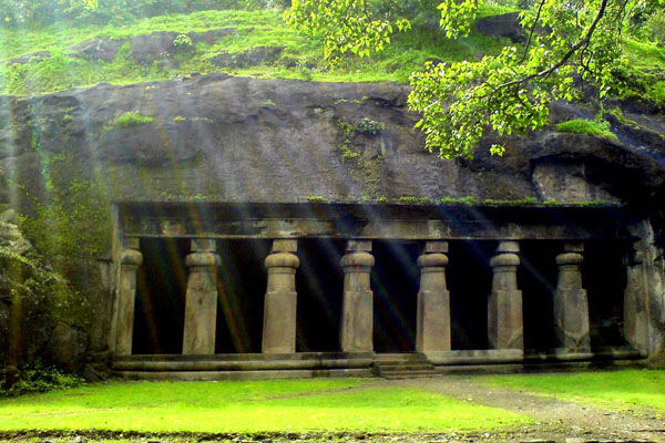 Elephanta Caves - Top 10 Things to do in Mumbai