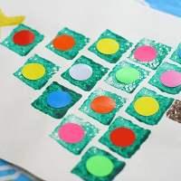 Christmas Crafts for Kids: Shape Christmas Tree Sponge Painting