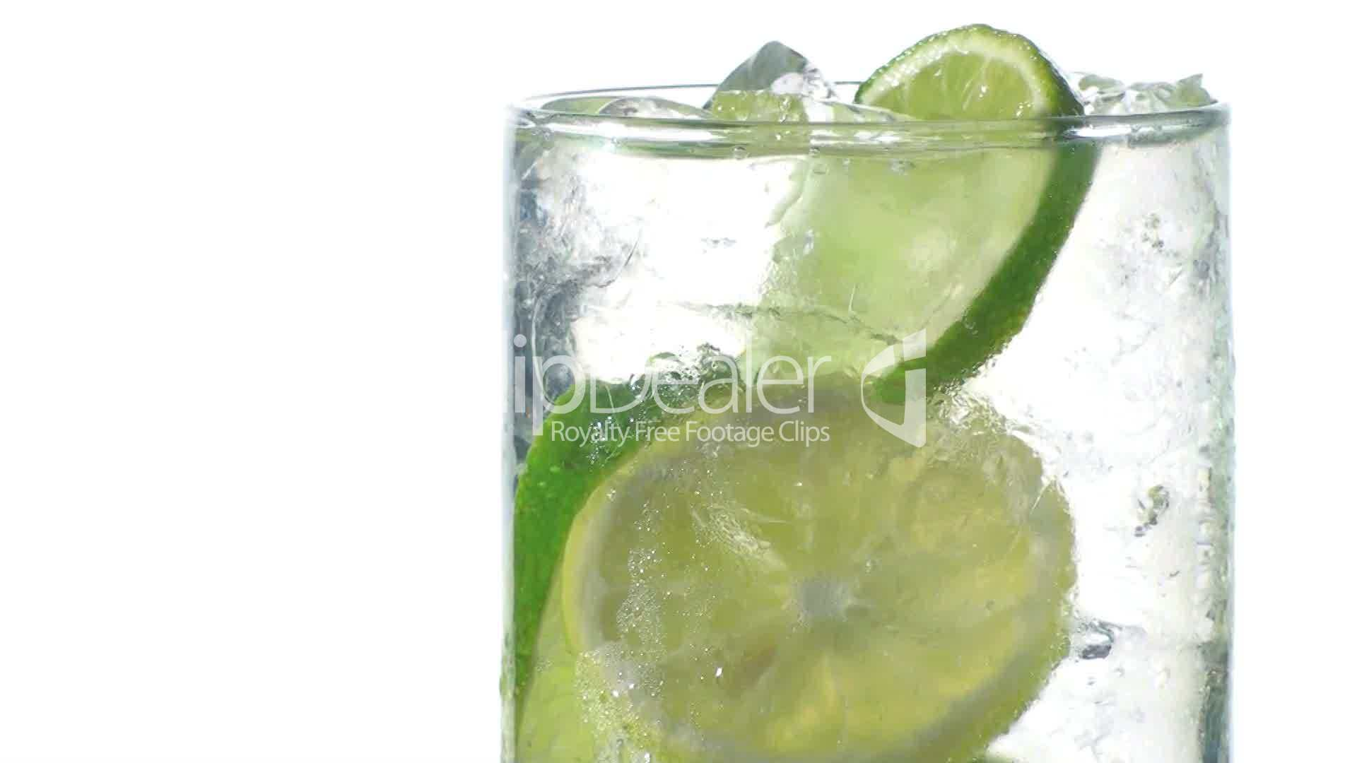 Eiswürfel Kaufen Sprite Glass Close-up: Lizenzfreie Stock Videos Und Clips