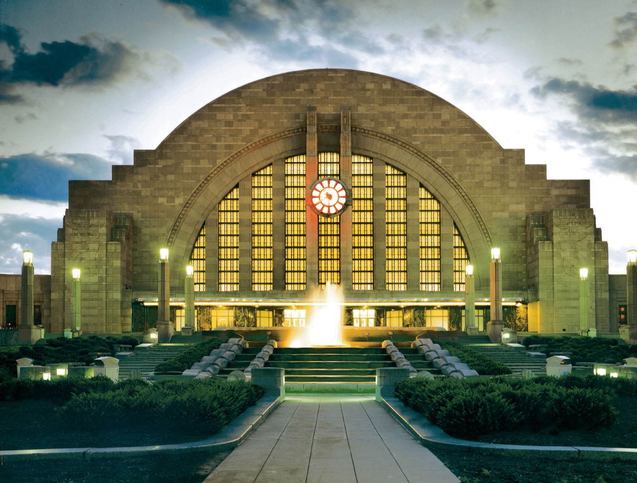 Art Deco Style & Light Art Deco In Cincinnati Union Terminal And Carew Tower