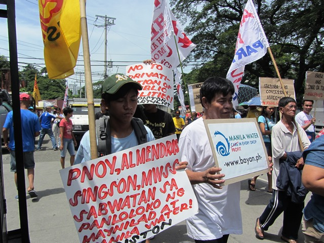 Consumers slam President Aquino's 'collusion' with water companies (Photo by M. Salamat / bulatlat.com)