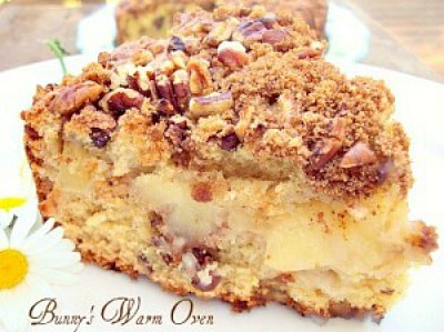 Apple Nut Sour Cream Coffee Cake - Bunny's Warm Oven