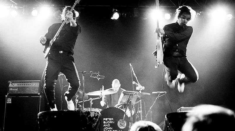 Peter Bjorn and John live _ Photo by Davinic via WIkimedia Commons