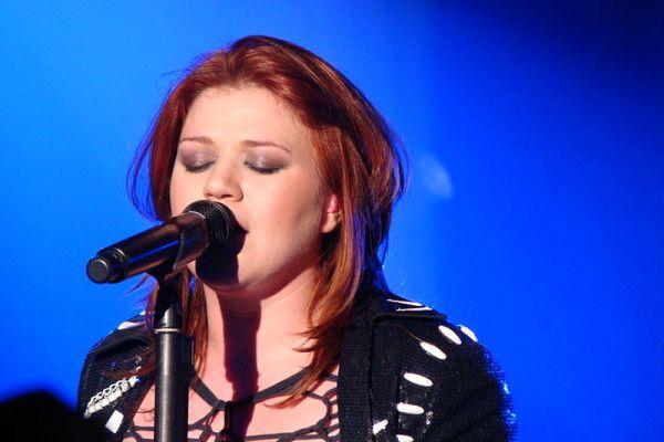 Kelly Clarkson. | Photo courtesy of vagueonthehow via Wikimedia Commons