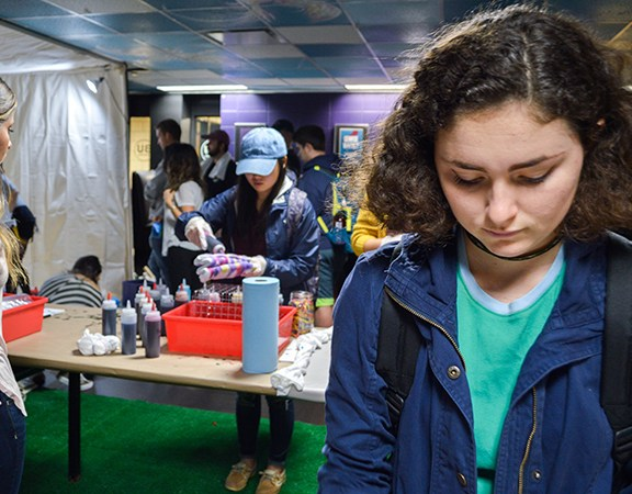 Students decorate Vans apparel in BU Central during a Vans Creator Session. Photos by Carolyn Komatsoulis
