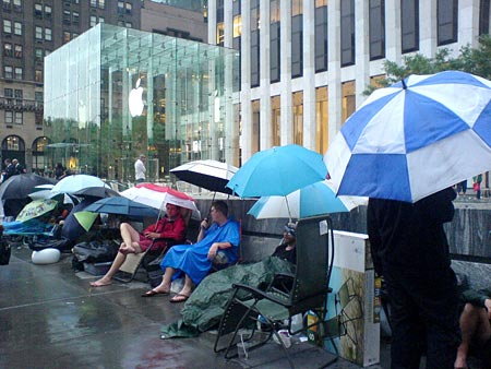 iphone-apple-store-live1.jpg