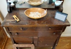 8-wooden_bowl_and_buffet