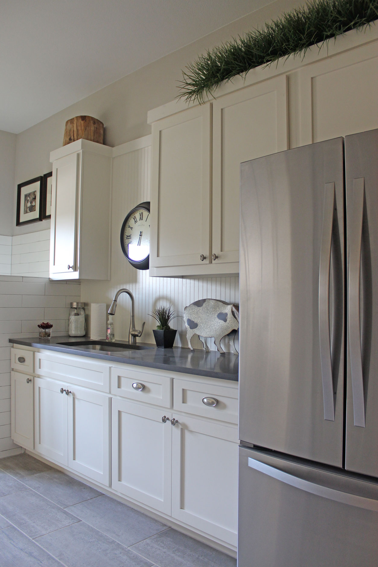 White Beadboard Kitchen Cabinets Laundry Mud Room Burrows Cabinets Central Texas