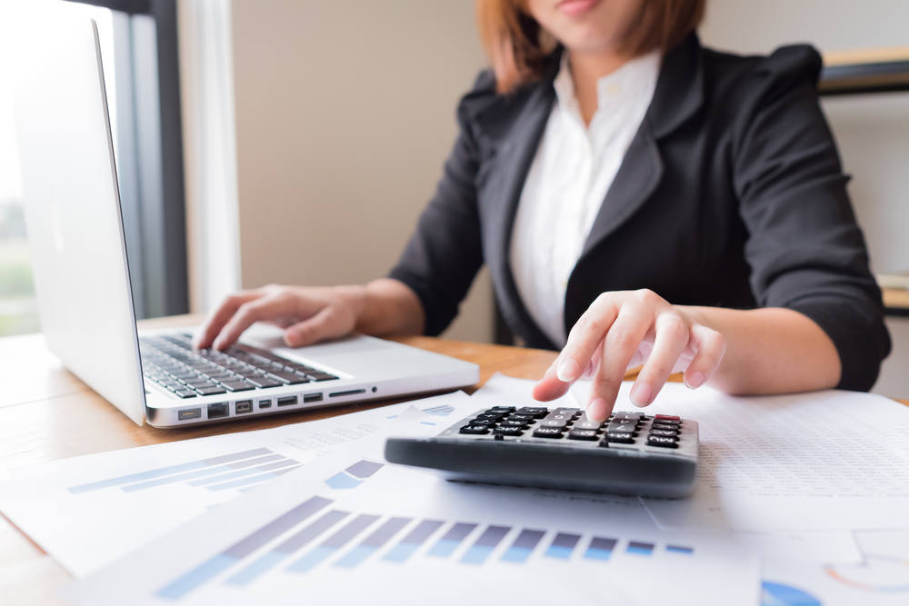 Despacho Fiscal Contable Accountant Vs. Bookkeeper: What Do They Do For A Business?