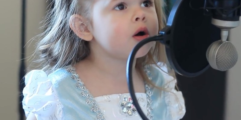 3-Year-Old Claire sings little Mermaid