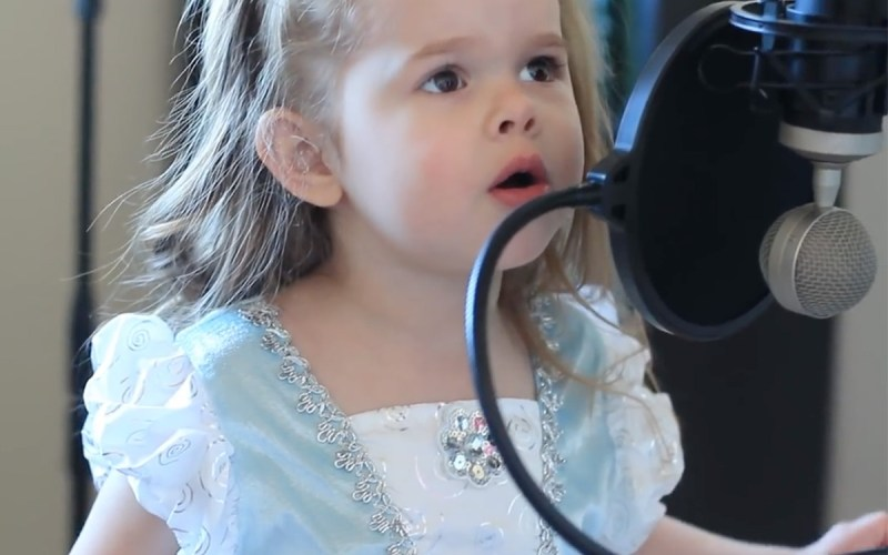 "This 3-Year-Old Blows up the Internet by Singing ""Part of Your World"""