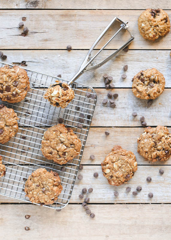 Oatmeal Almond Chocolate Chip Cookies made with coconut oil // butterlust.com  #dairyfree