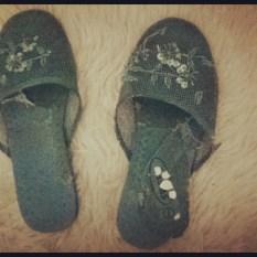 Blue mesh slippers 2