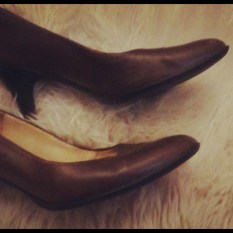 Brown leather pumps 2