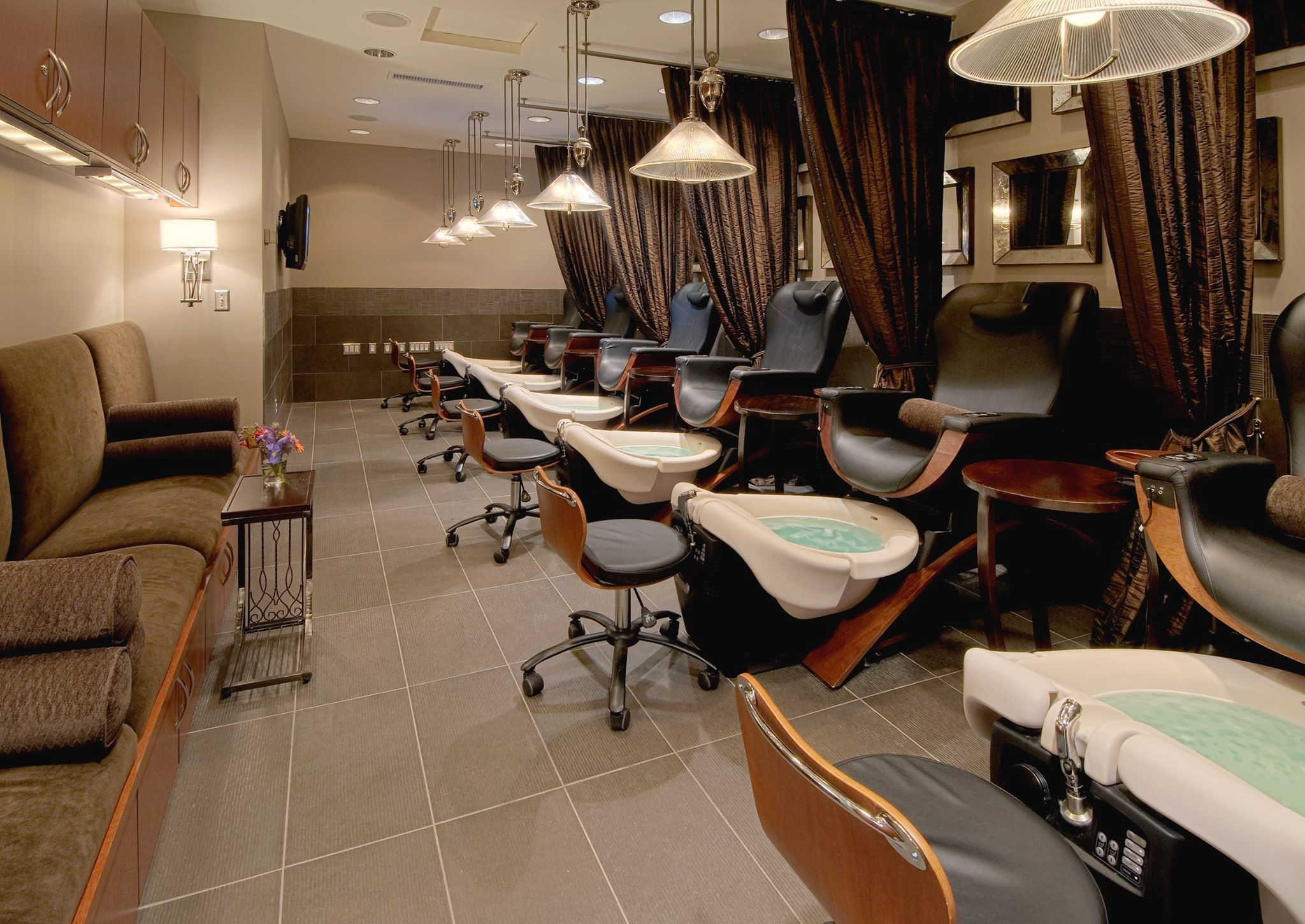 Pedicure Salon Top 10 Tips When Buying A Pedicure Chair Buy Rite Beauty