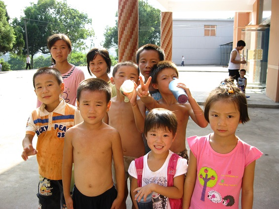 61 Million Chinese Children Live Without Parents