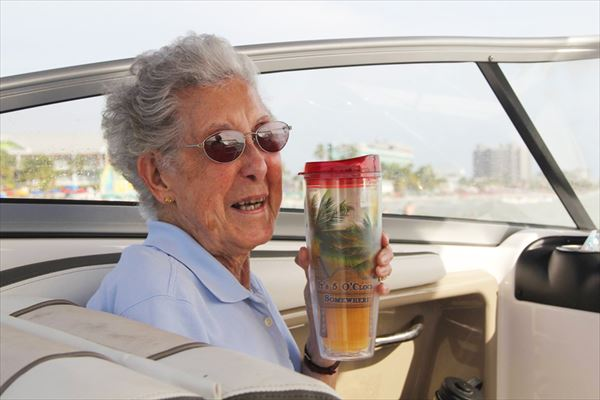 90-year-old-woman-road-trip-cancer-treatment-driving-miss-norma-32_R