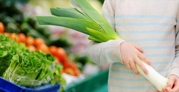 画像 「ネギ」をねだる5歳の息子→買ってあげたら…何してんねん(笑)!!