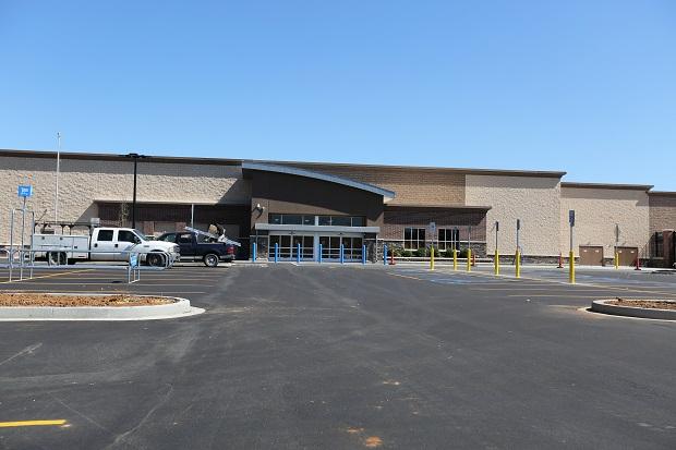 Memorial Blvd Wal-Mart Opens - Murfreesboro News and Radio