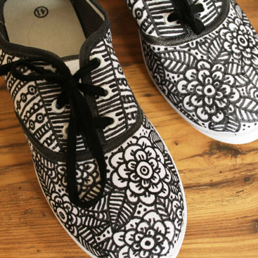 diy doodle shoes small