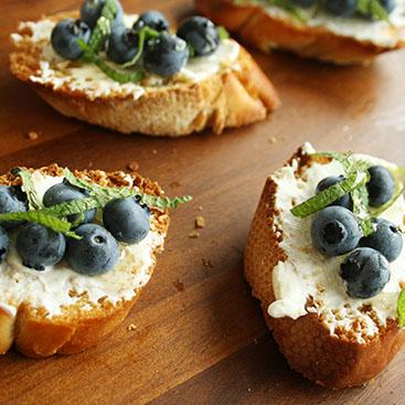 Recipe - Blueberry crostini small