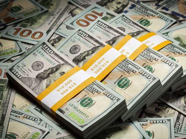 بیرونی ادائیگیوں اورتیل واجناس کی عالمی قیمتیں بڑھنے سے زرمبادلہ ذخائر پر دباؤ میں اضافہ ہوگا، ماہرین۔ فوٹو: فائل