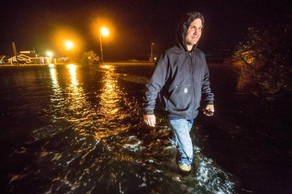 In Westport, worries about evening high tide \u2014 and finding fun