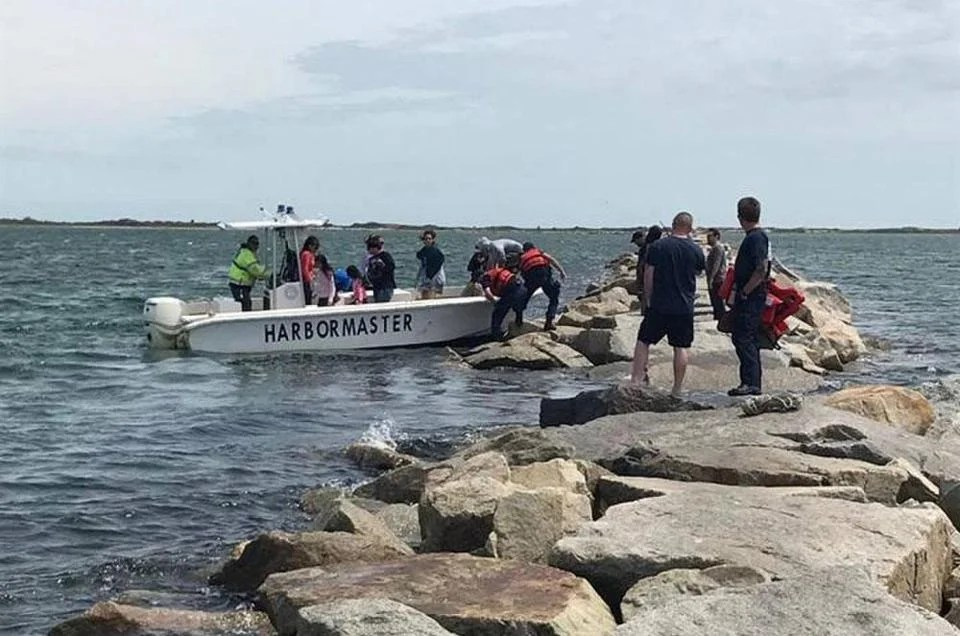 44 stranded by high tide on Provincetown breakwater - The Boston Globe