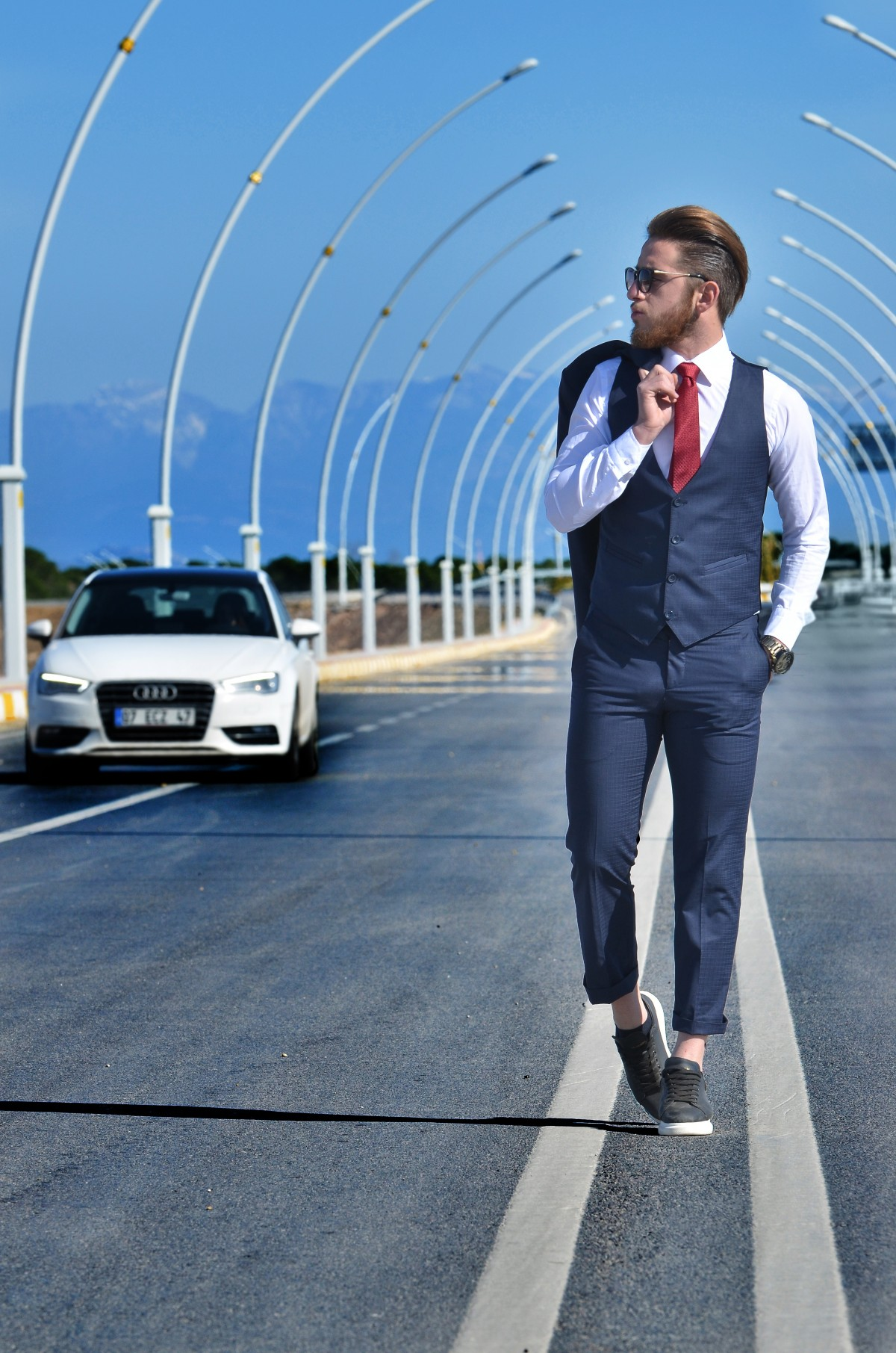 Zakelijk Pak Free Images : Man, Suit, Road, Street, Car, Photography