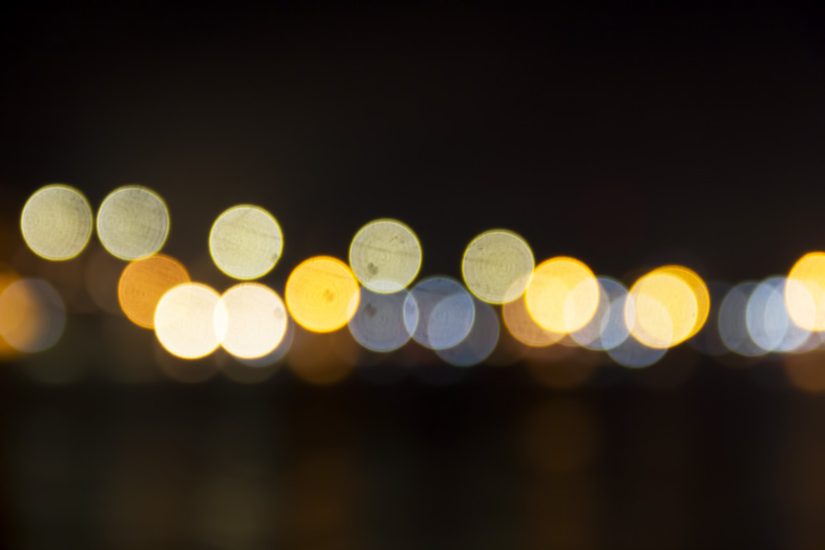 800x1280 Wallpaper Hd Free Images Light Bokeh Night Sunlight Reflection